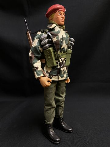 ACTION MAN - EAGLE EYE BRITISH PARACHUTE REGIMENT Ref5